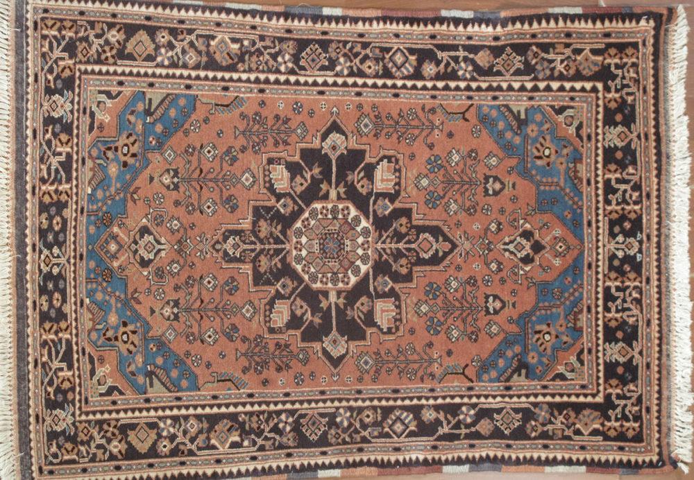 Hamadan, Persian (3' 4'' x 4' 5'')